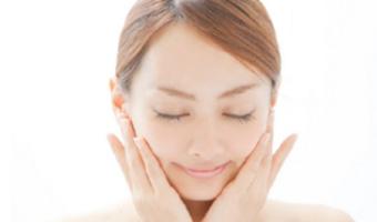 日本人女性の肌のために開発されたその4つのこだわりポイントをご紹介